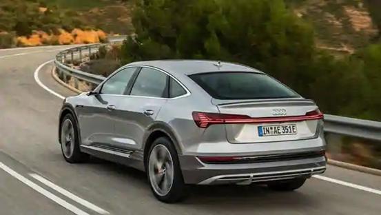 2021款奥迪ee-tron电动SUV和e-tron Sportback SUV进行了升级